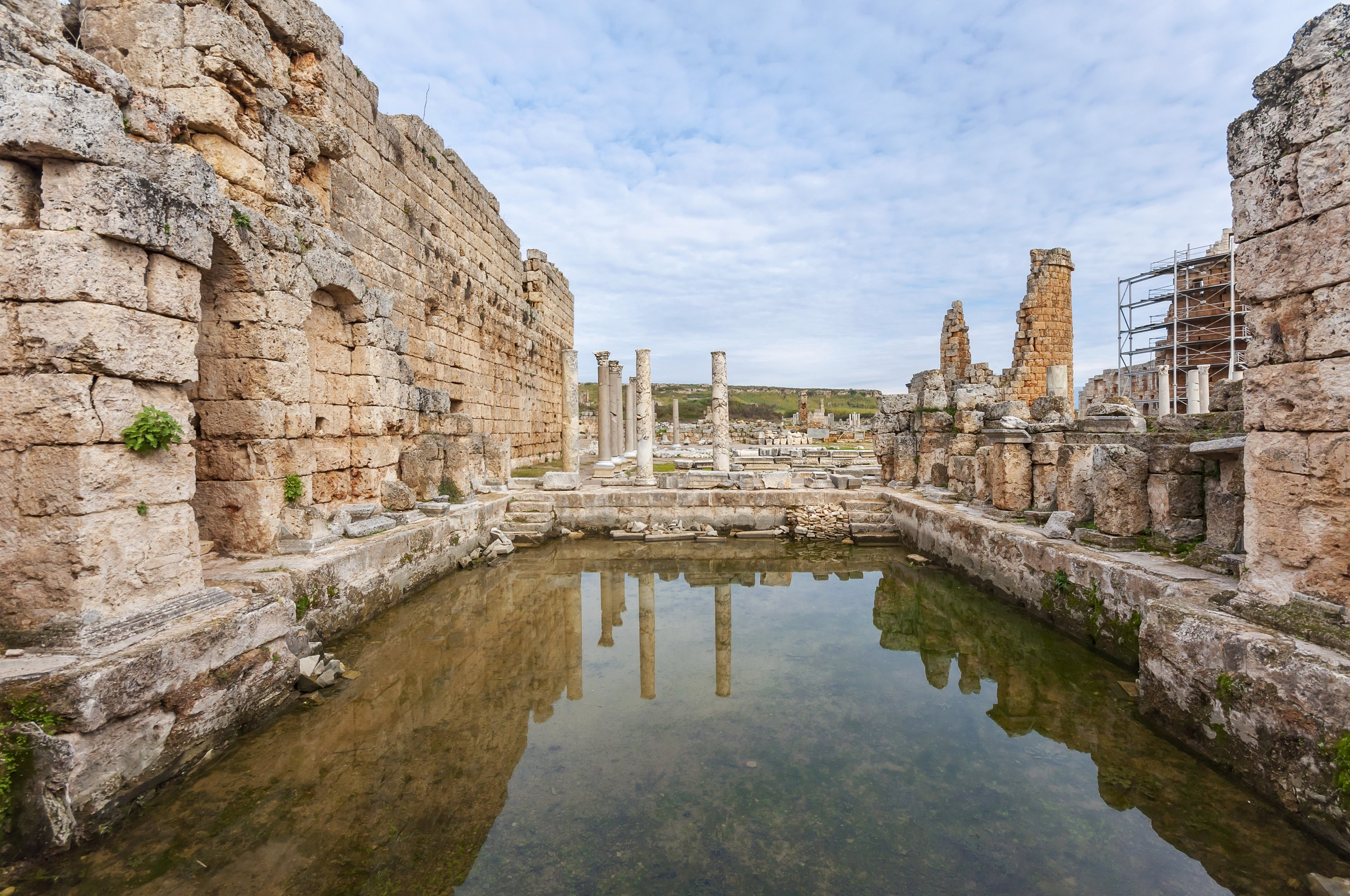 A view of Roman baths in Perge Ancient City, Antalya, southern Turkey.  (Shutterstock Photo)