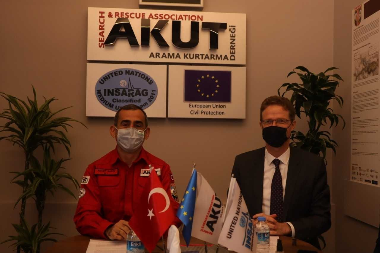 Search and Rescue Association (AKUT) President Recep Şalcı (L) and European Union Delegation to Turkey head Nikolaus Meyer-Landrut at a press conference, in Istanbul, Turkey, March 17, 2021. (COURTESY OF AKUT)