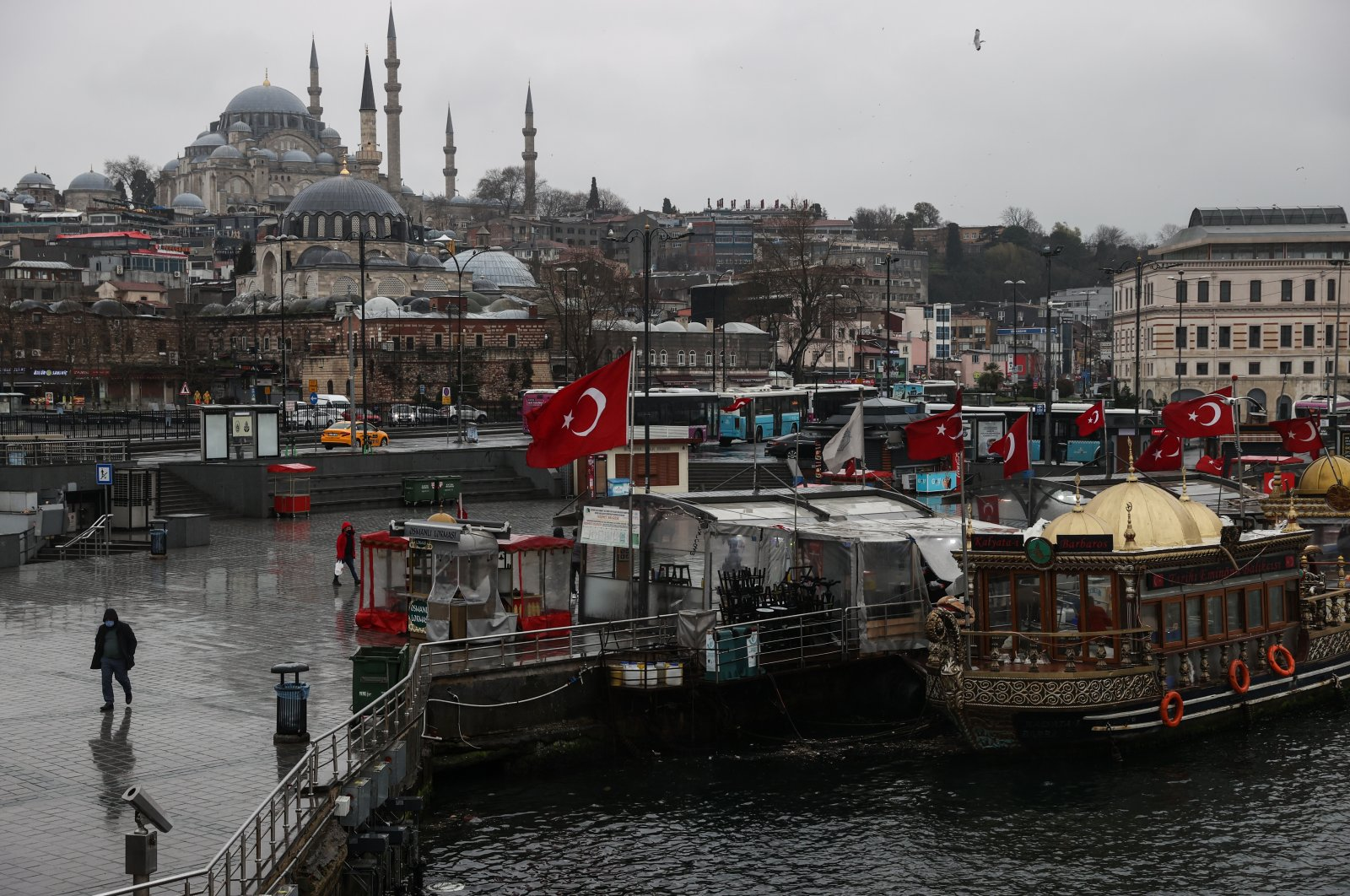 A rainy day in the Eminönü district of Istanbul, Turkey, March 21, 2021. (AA Photo)