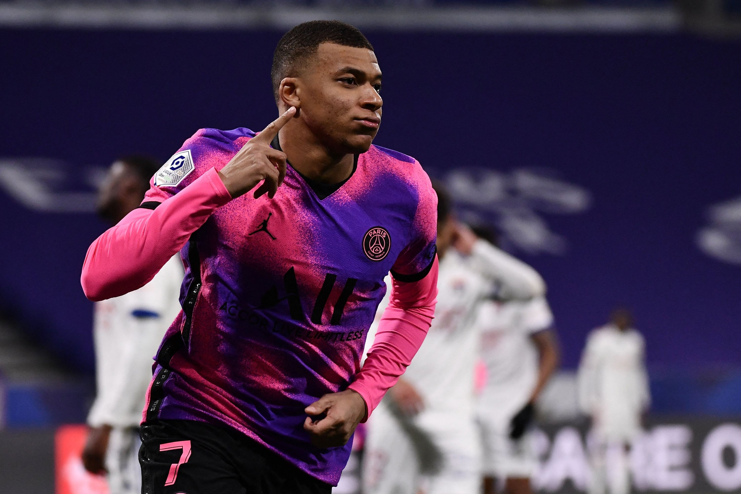 Mbappe touches 100-goal milestone as PSG beats Lyon to go top | Daily Sabah