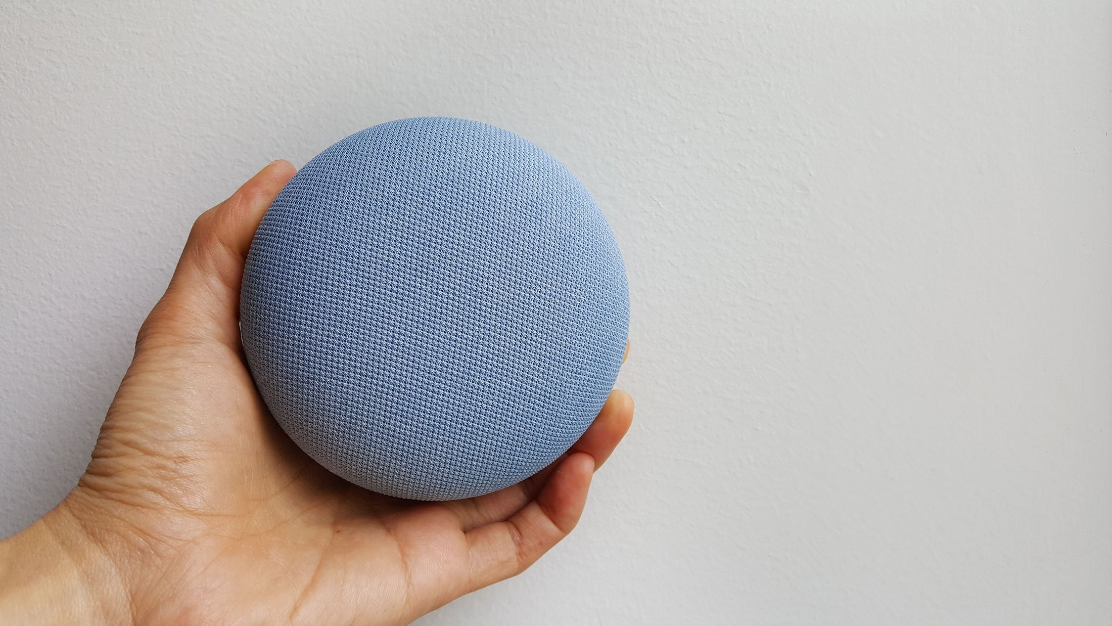Google Nest Mini. (Shutterstock Photo)