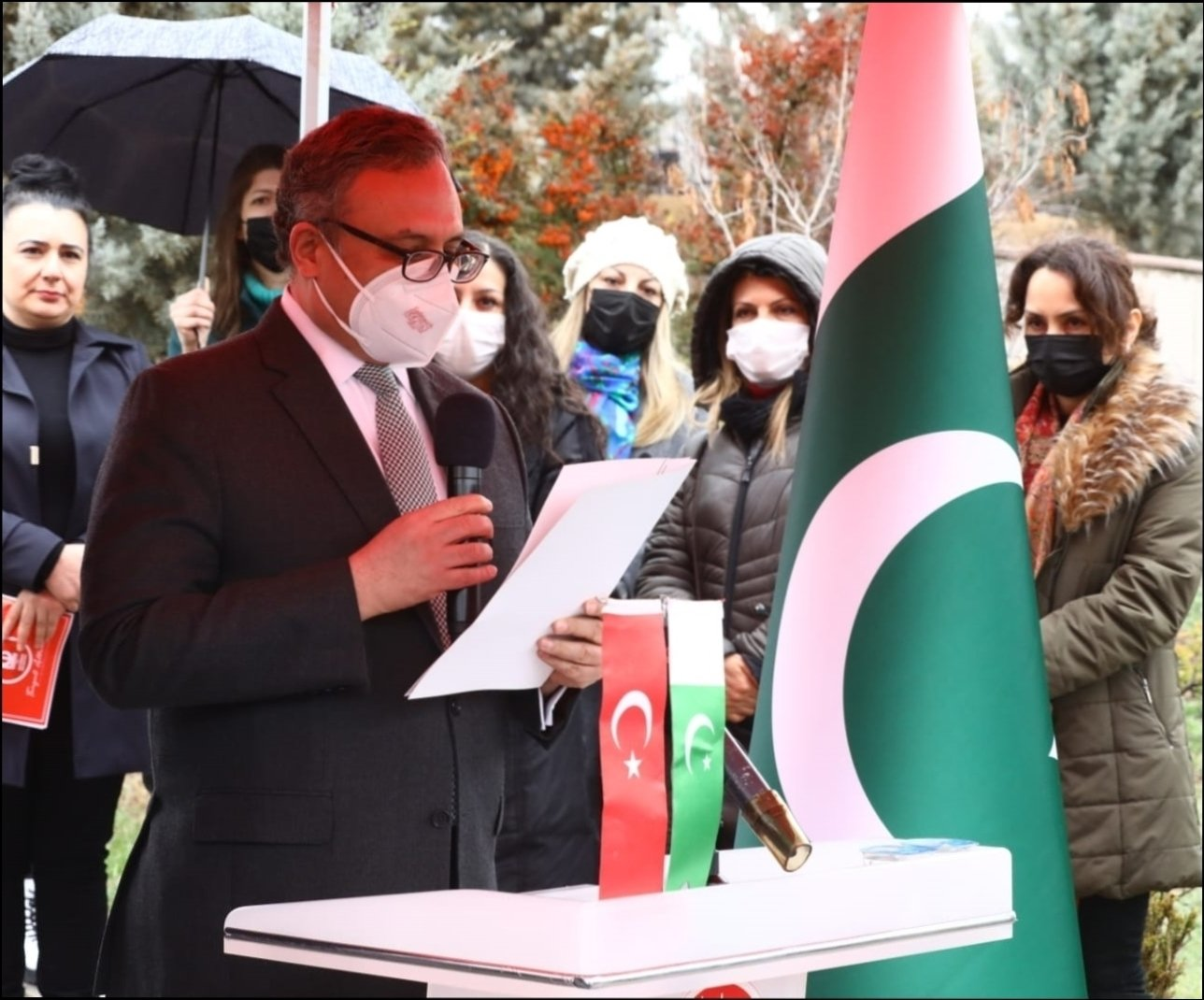 Pakistan's Ambassador to Ankara Muhammed Syrus Sajjad Qazi thanking those who contributed to the monument and those who participated in the program at the opening ceremony of the Peshawar Martyrdom Monument, in Ankara, Turkey, March 23, 2021. (AA)