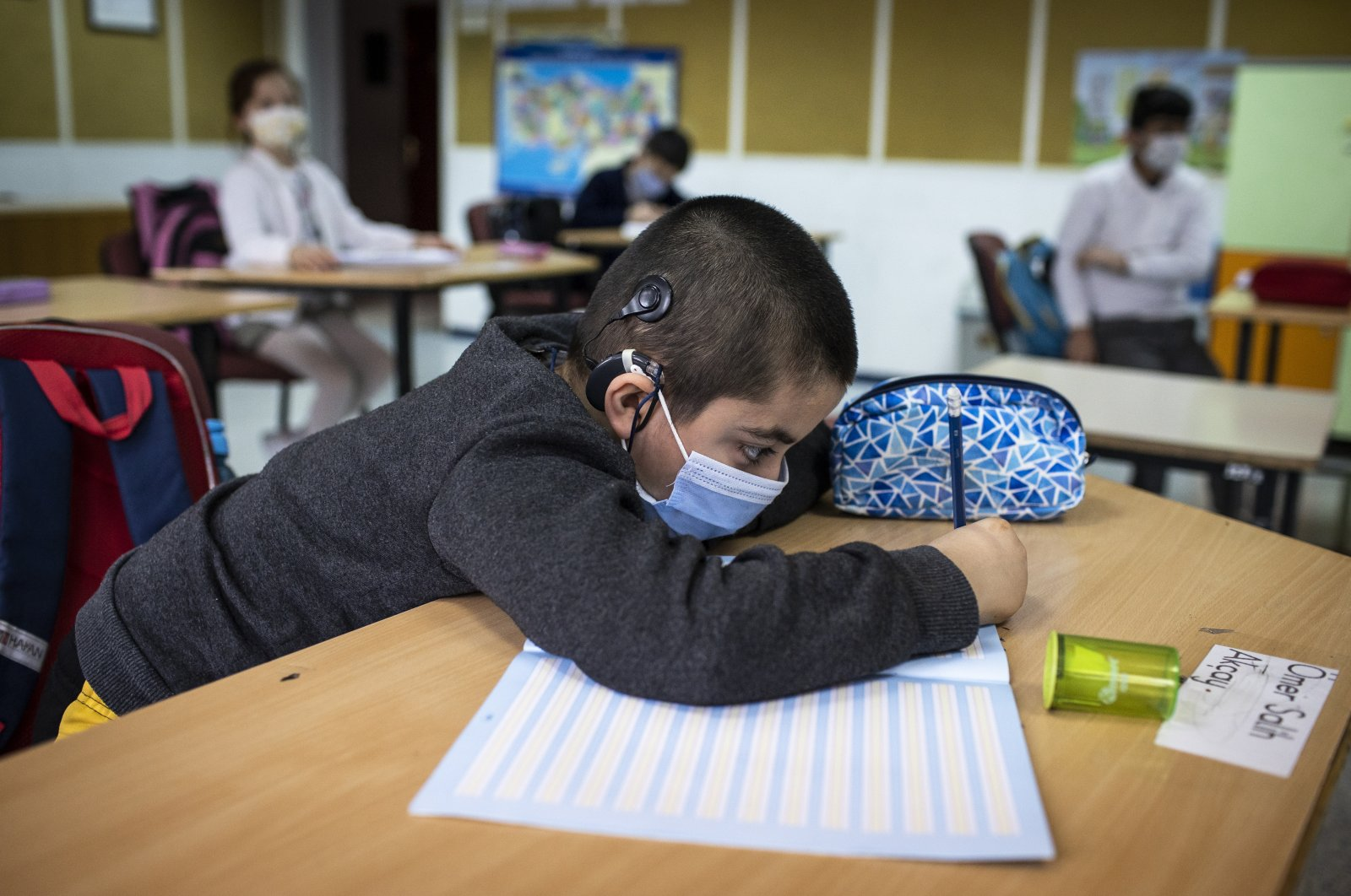 A student attends a class at Kemal Yurtbilir Middle School for the Hearing Impaired in the capital Ankara, Turkey, March 23, 2021. (AA PHOTO)
