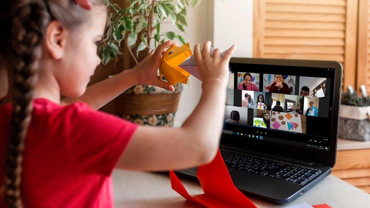 The Türk Telekom program aimed at bringing together children through art. (Shutterstock Photo)