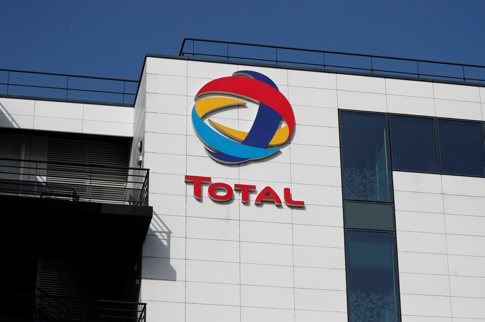The logo of French oil and gas company Total is seen in Rueil-Malmaison, near Paris, France, March 2, 2021. (Reuters Photo)