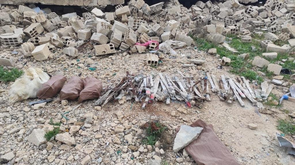At least 60 kilograms (132 pounds) of explosives were seized in Syria's Tal Abyad district, Tal Abyad, Syria, March 25, 2021. (AA)