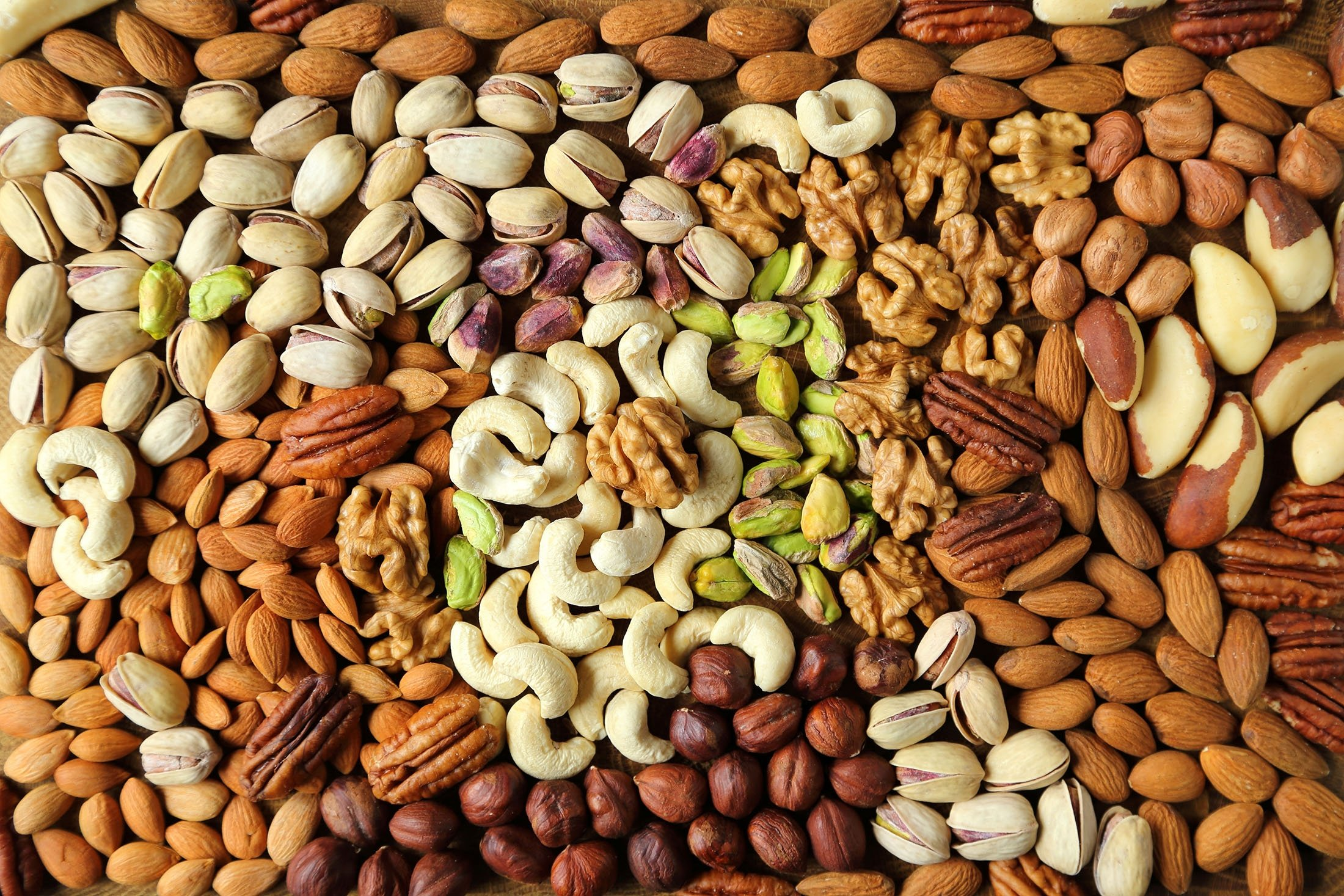Nuts contain vitamin E and healthy fats, which help to boost mental performance. (Shutterstock Photo)