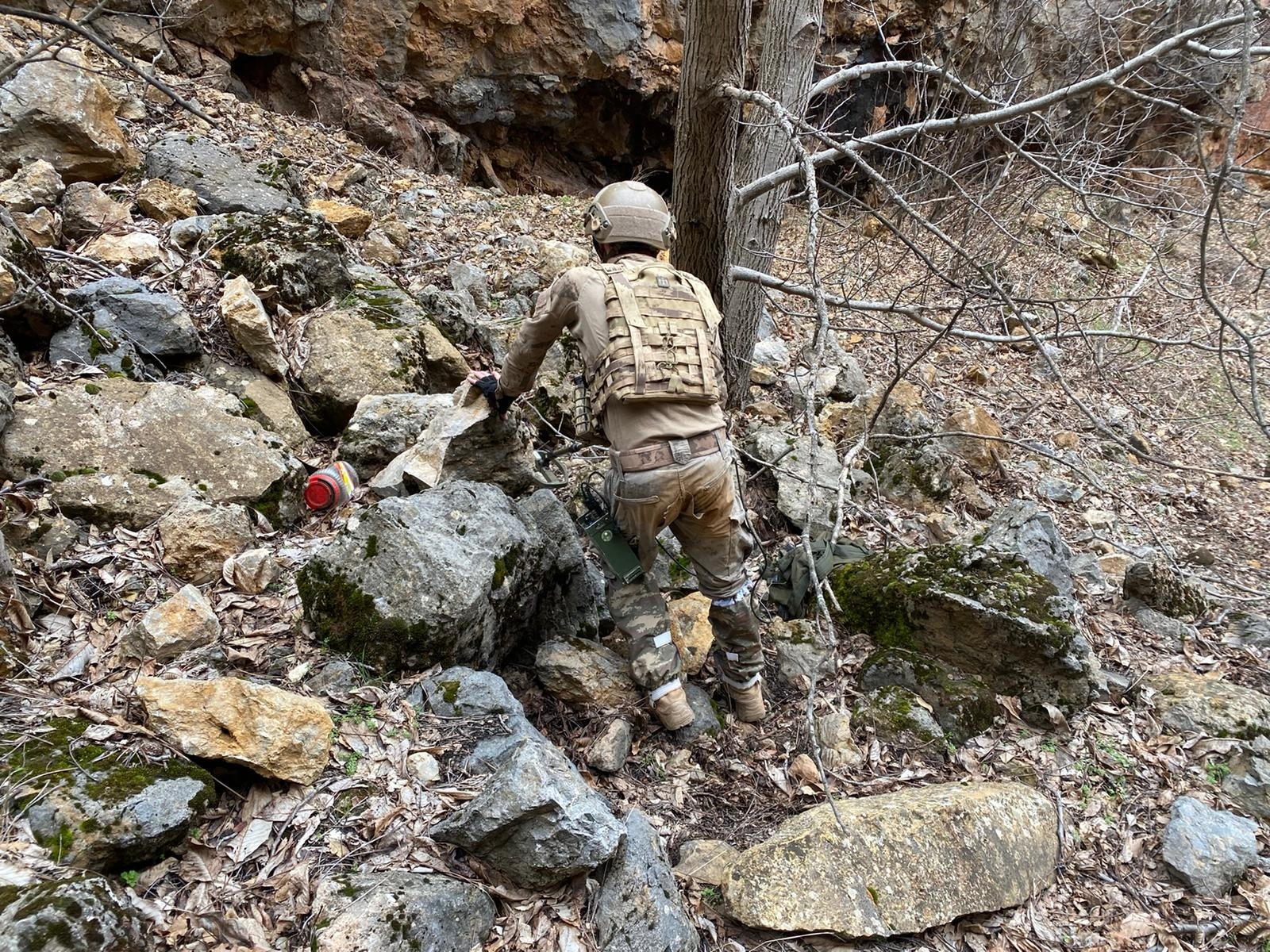 In Operation Eren-7 Mercan Munzur, 59 security teams composed of 1,062 personnel raided hideouts in Tunceli province, Turkey, March 25, 2021. (DHA)