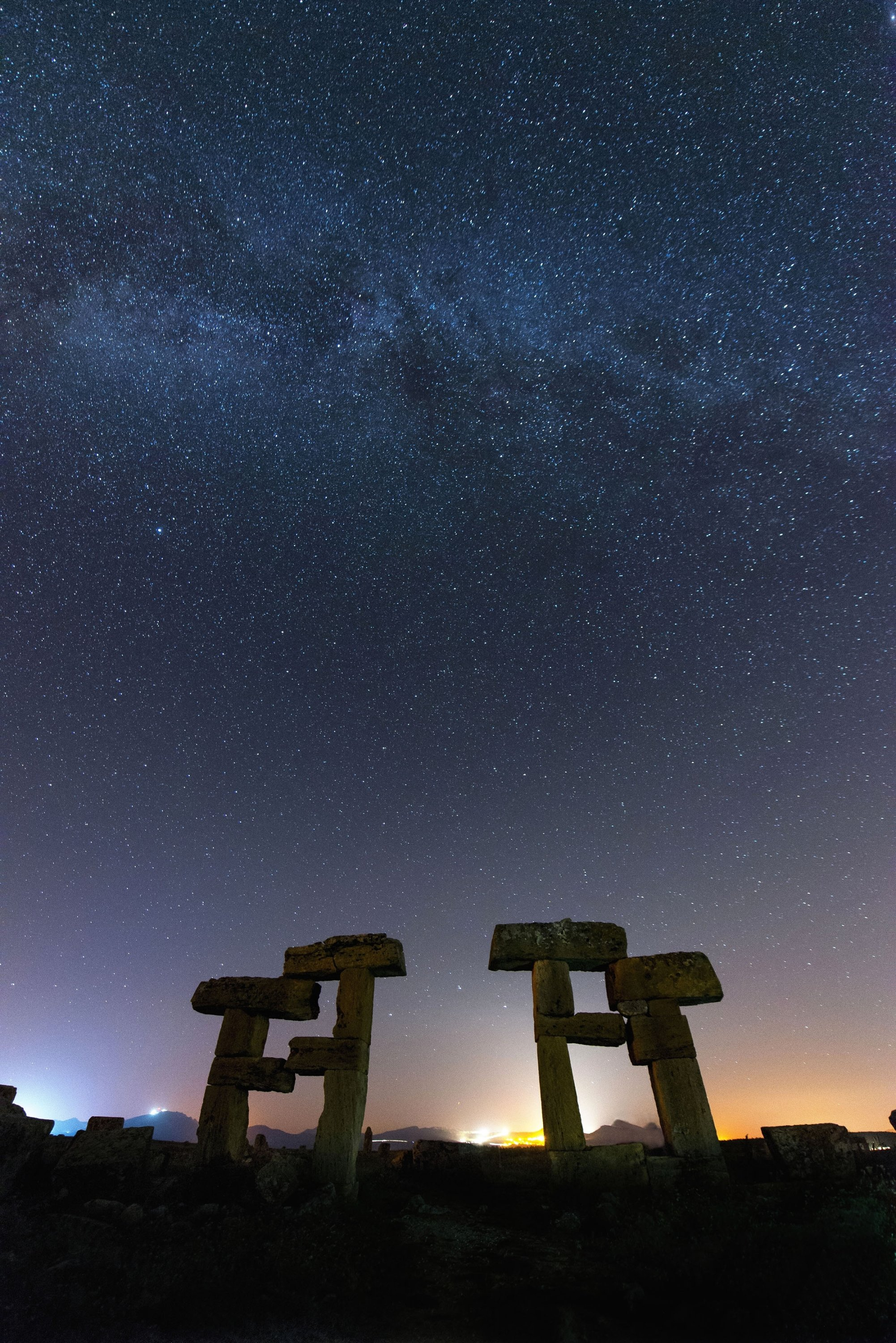 Astronomy photographers frequent the ancient city of Blaundus for its mesmerizing views, Uşak, western Turkey. (Shutterstock Photo)