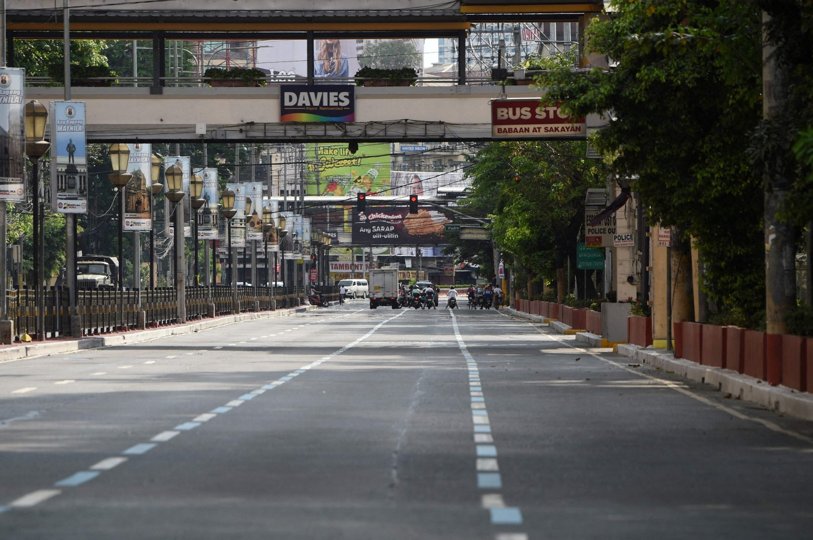 File photo taken on March 20, 2020, shows a nearly empty road in Manila, after the government imposed an enhanced community quarantine against the rising numbers of COVID-19 coronavirus infections. (AFP Photo)