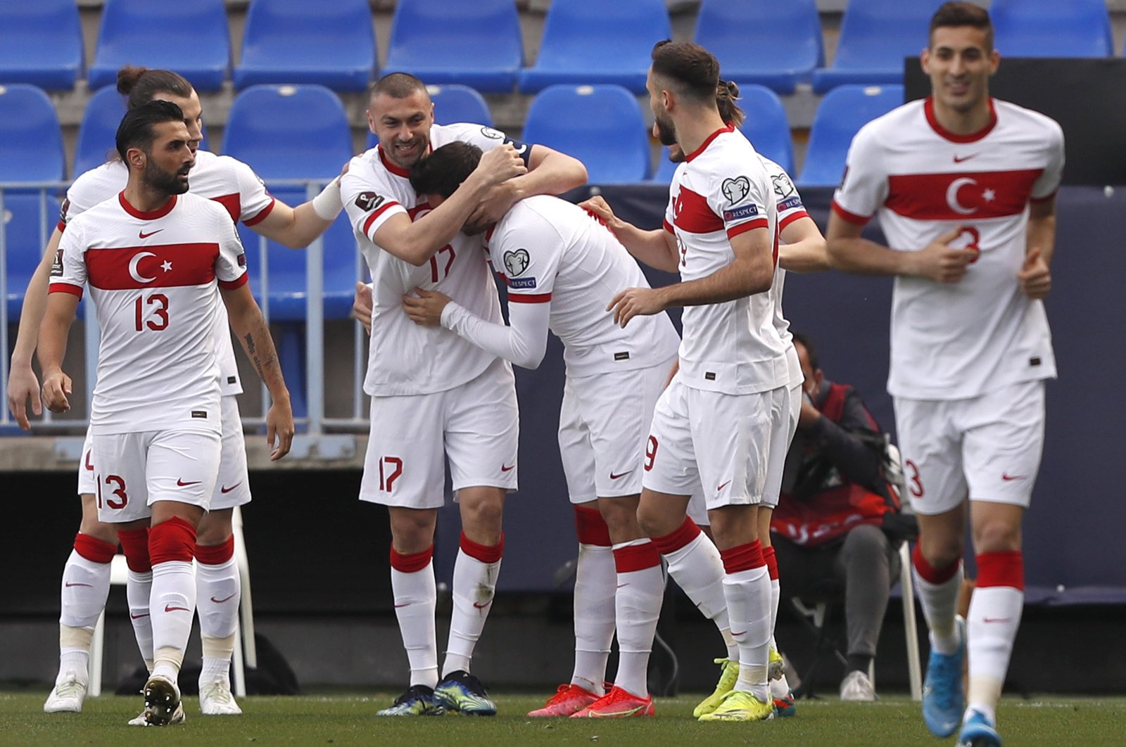 Turkey's midfielder Ozan Tufan (C) celebrates with teammates after scoring the 1-0 lead in the Group G of FIFA World Cup Qatar 2022 qualifier soccer match between Norway and Turkey held at La Rosaleda stadium, in Malaga, southern Spain, March 27, 2021. (EPA Photo)