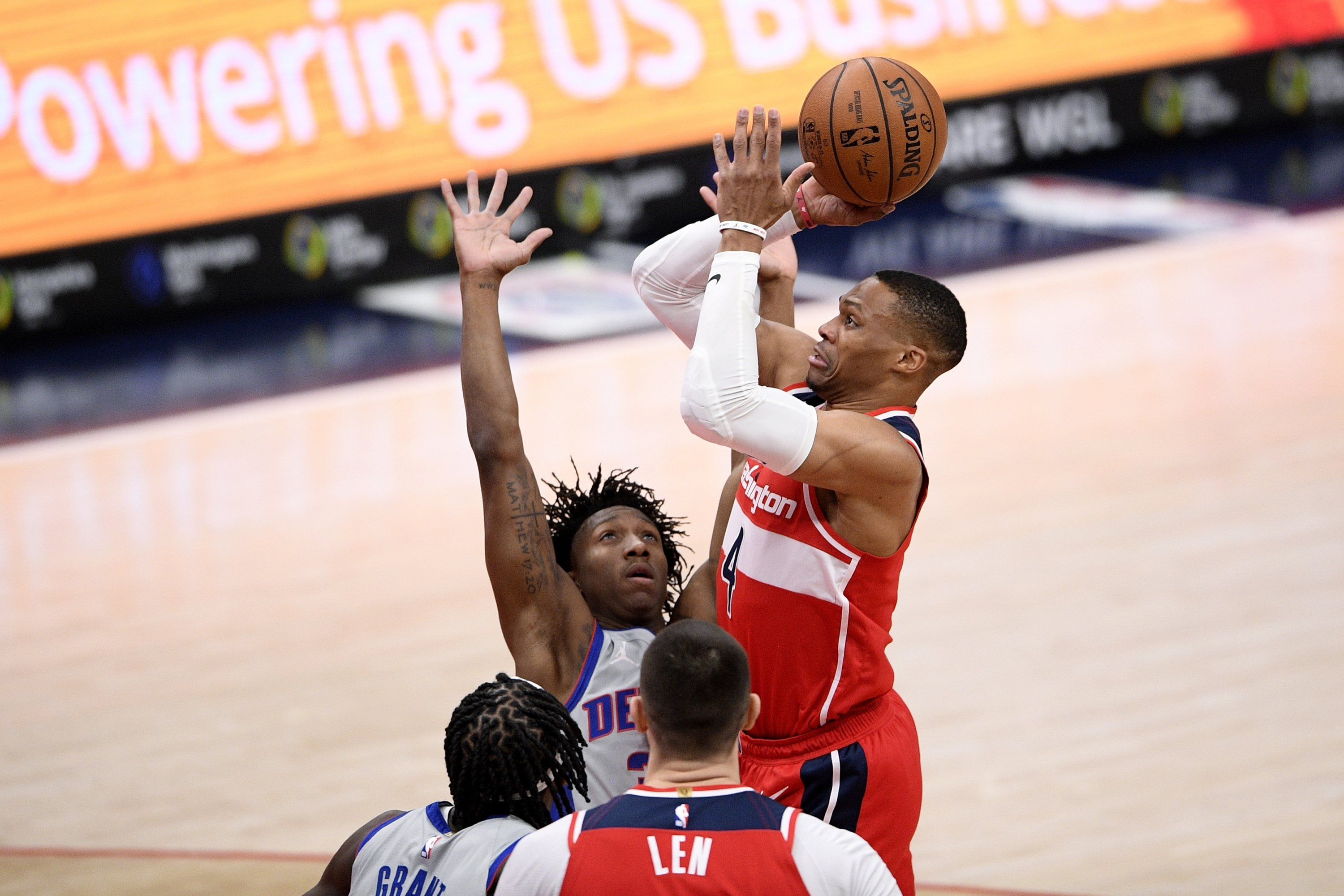Washington Wizards guard Russell Westbrook (R) shoots against Detroit Pistons during an NBA game in Washington, U.S., March 27, 2021. (AP Photo)