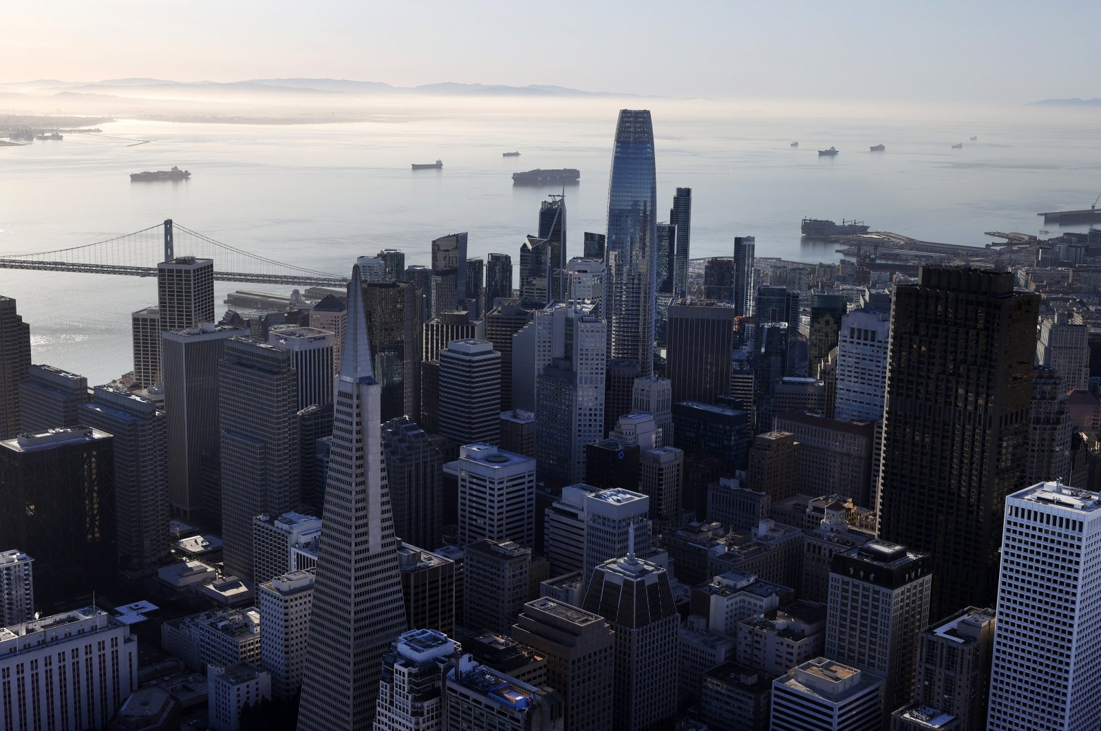 Container ships sit idle in San Francisco Bay amid the coronavirus outbreak, just outside of the Port of Oakland, San Francisco, California, U.S., March 26, 2021. (Photo by Getty Images)