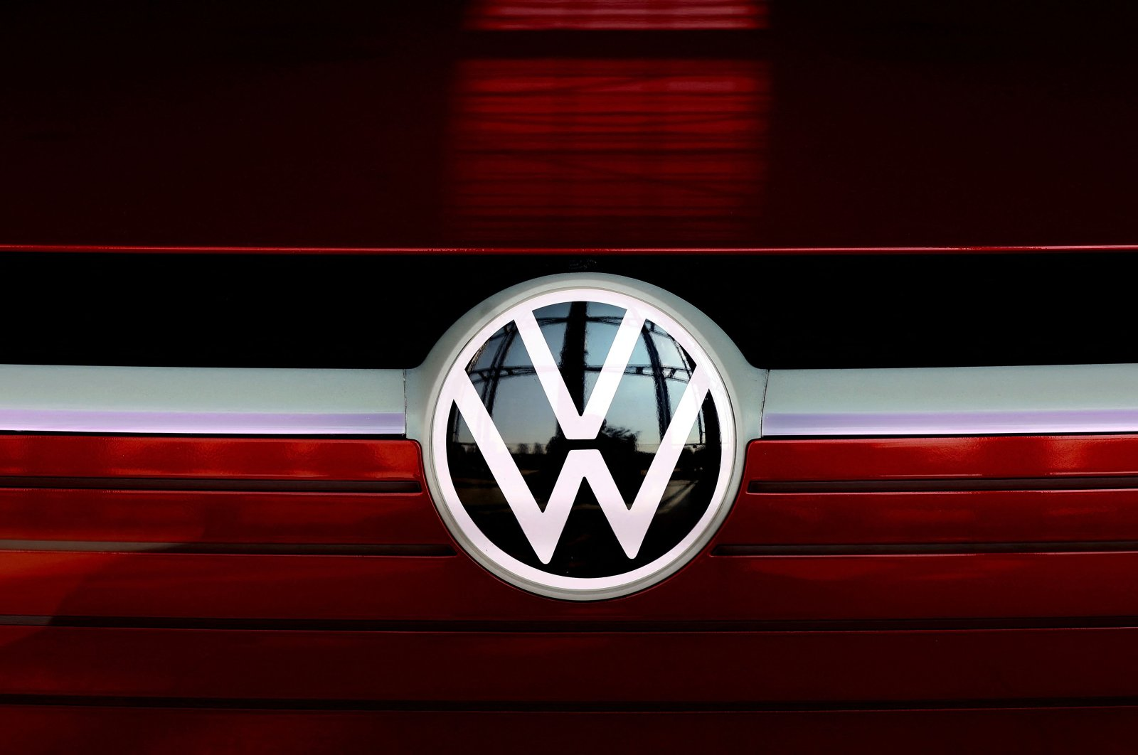 The VW logo is on display at the headquarters of German carmaker Volkswagen (VW) in Wolfsburg, Germany, March 26, 2021. (AFP Photo)