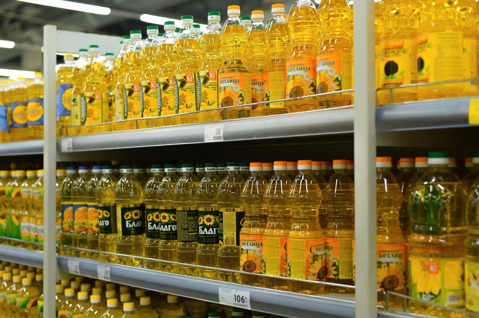 Bottles of sunflower oil seen in a supermarket in Smolensk, Russia, March 24, 2021. (Shutterstock Photo)