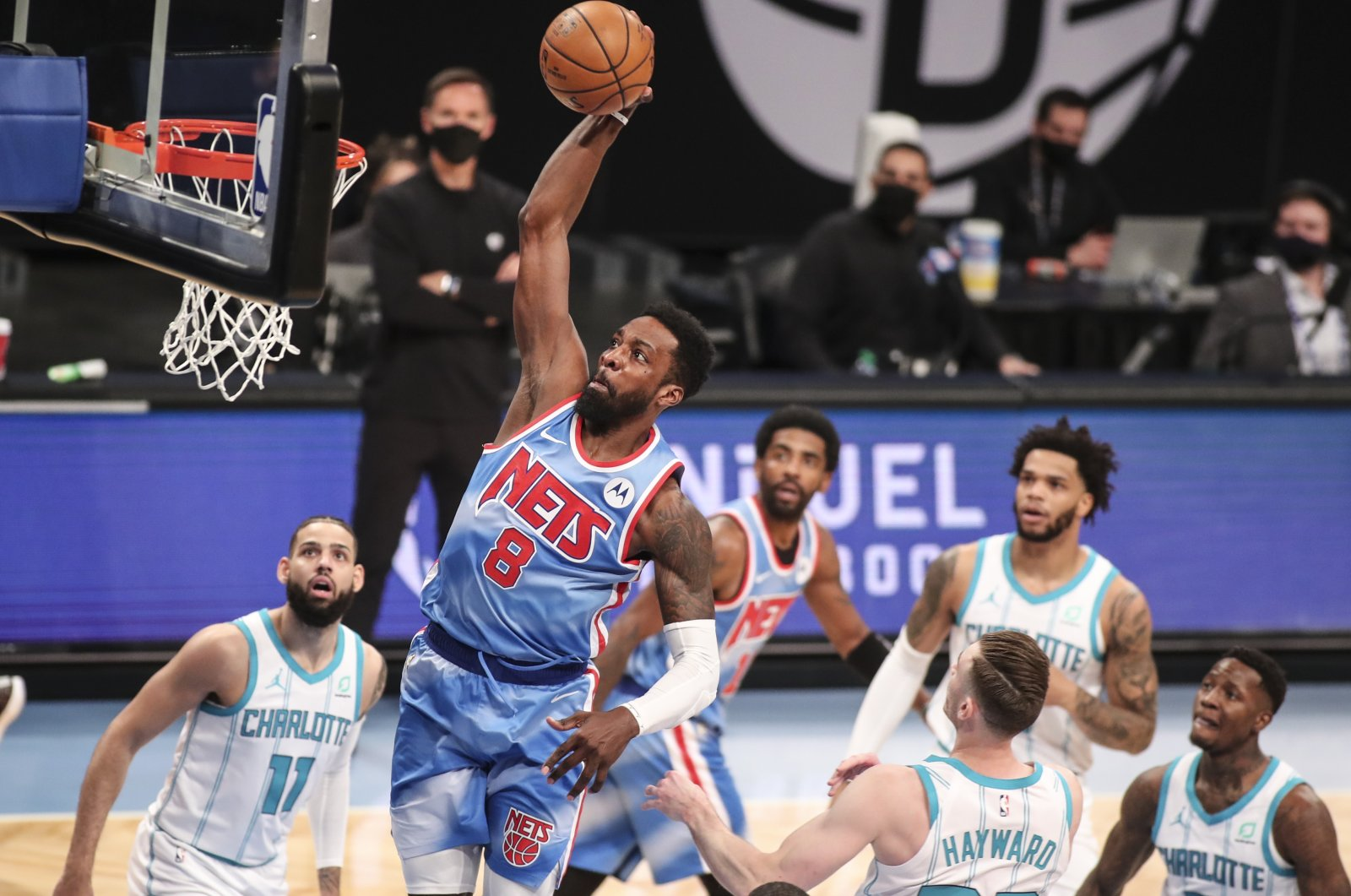 Brooklyn Nets forward Jeff Green (C) goes in for a slam dunk in the first quarter against the Charlotte Hornets at Barclays Center, Brooklyn, New York, U.S., Apr 1, 2021. (Reuters Photo)