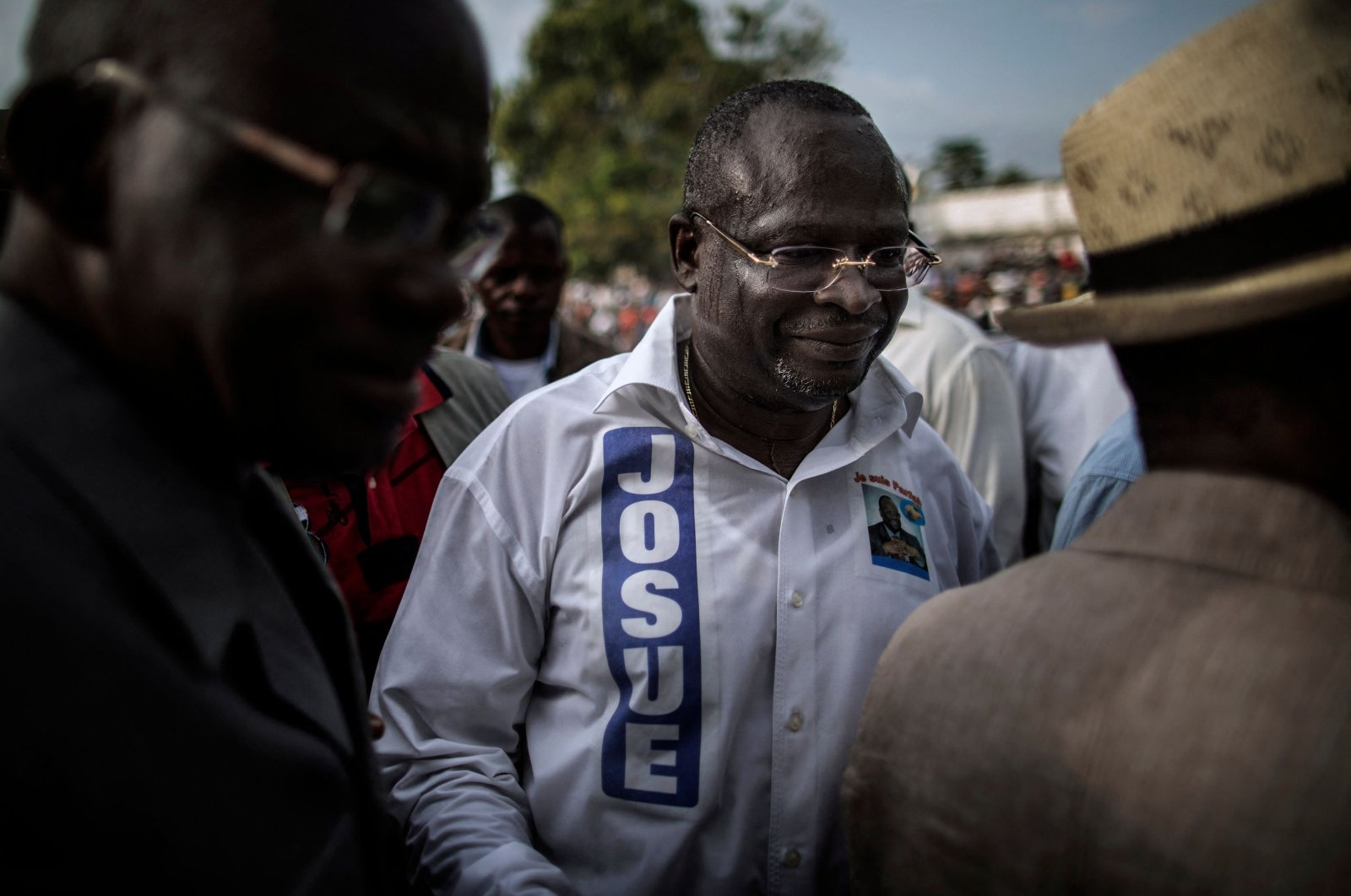 Interim President of the Congolese Movement for Democracy and Integral Development (MCDDI) Guy Brice Parfait Kolelas leaves the stage after addressing his supporters in Brazzaville, Republic of Congo, March 17, 2016. (AFP Photo)