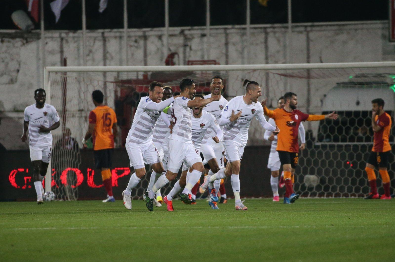 Atakaş Hatayspor players celebrate after a goal in Turkish Süper Lig Week 32 match against Galatasaray, in Antakya, Turkey, on April 3, 2021. (AA Photo)