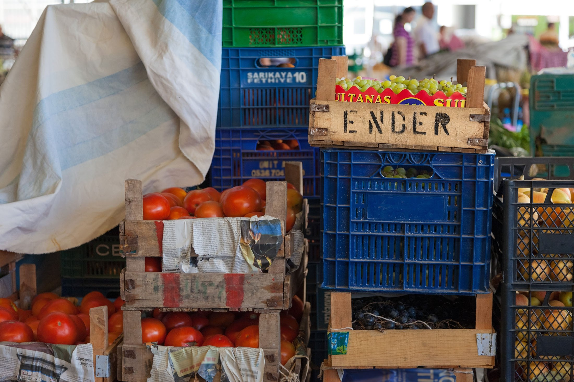 You will often see crates of fruit and vegetables piled high at Turkish bazaars and farmers markets before they are laid out on stalls. (Getty Images)