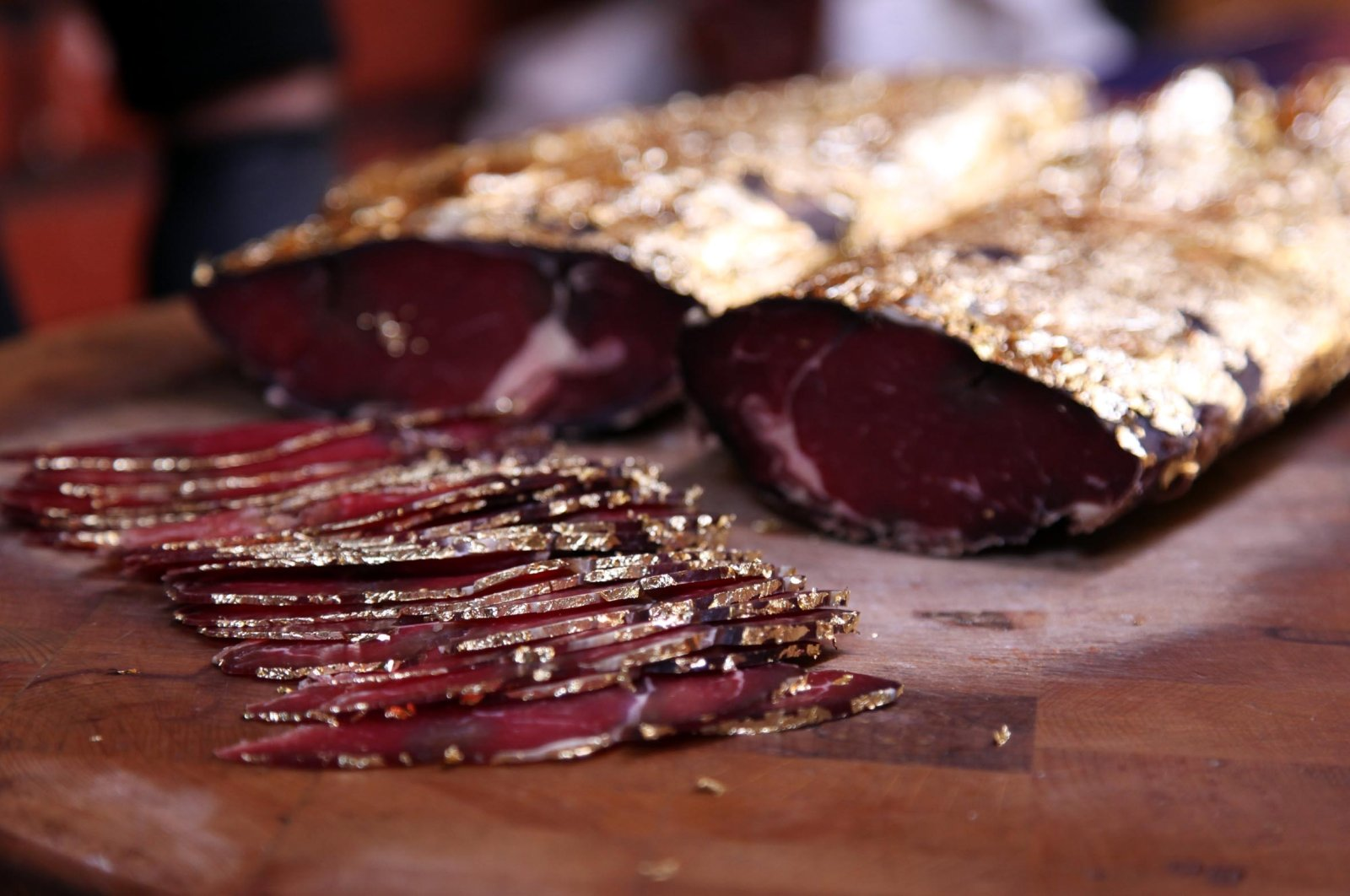 A paper-thin slice of this Turkish golden pastrami costs TL 18. (DHA Photo)
