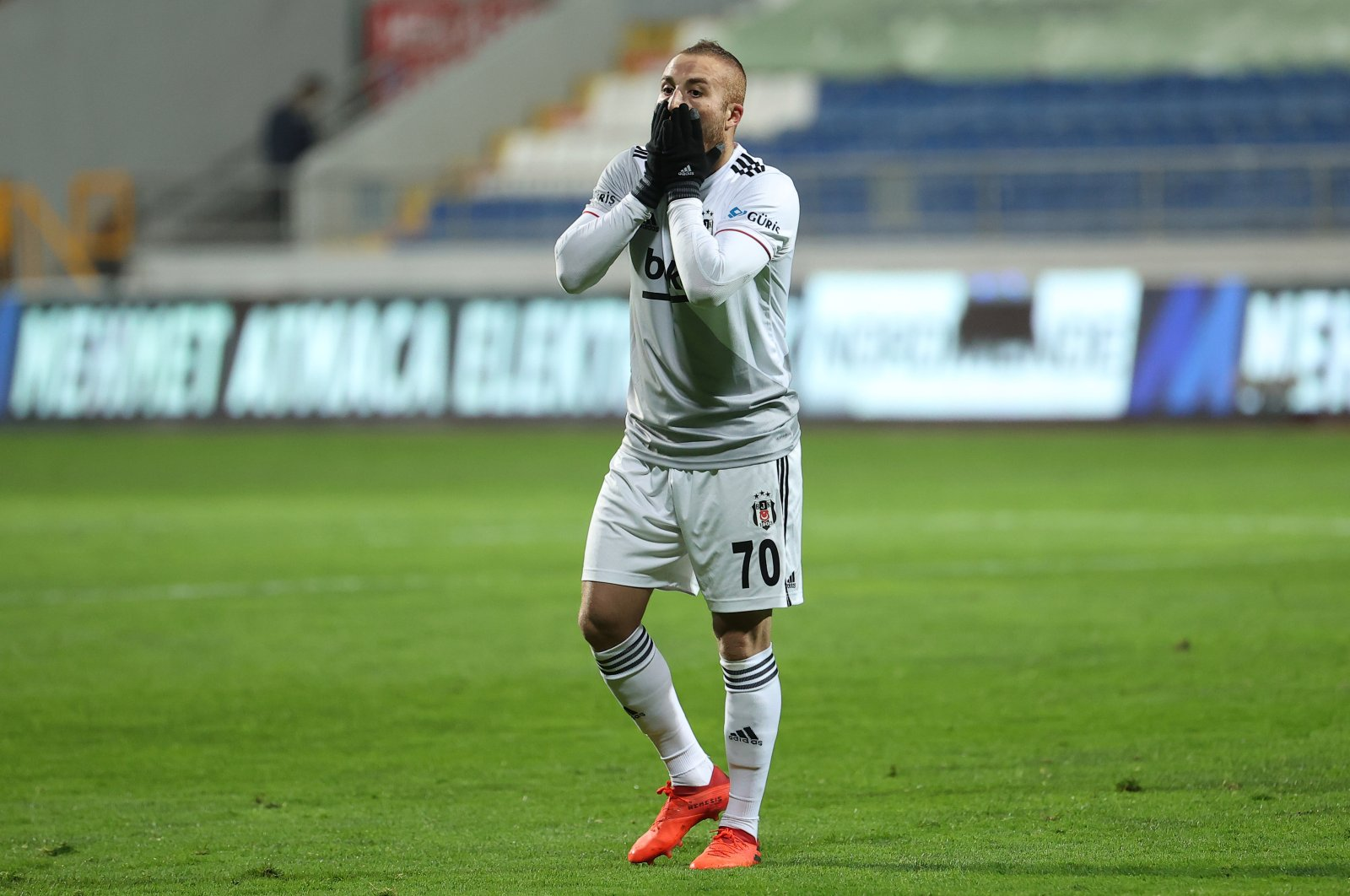 Beşiktaşl winger Gökhan Töre reacts during a Turkish Süper Lig match against Kasımpaşa at the Recep Tayyip Erdoğan Stadium, Istanbul, Turkey, April 4, 2021. (AA photo)