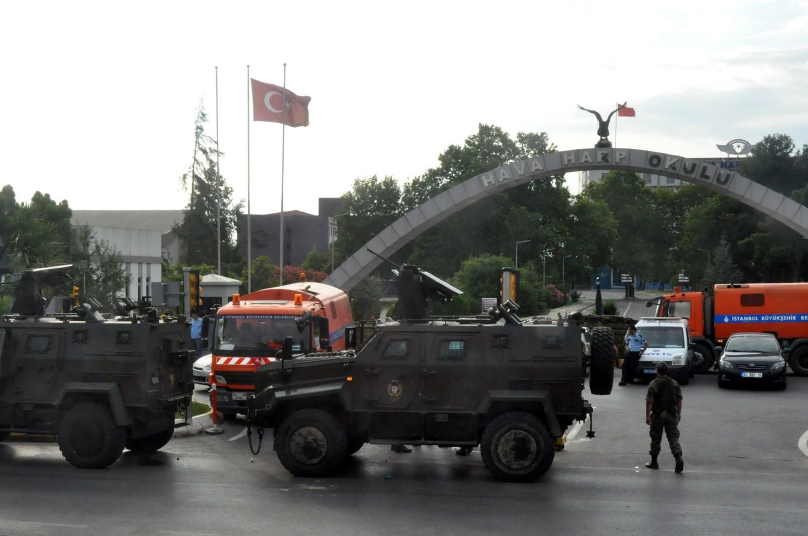 Police vehicles and trucks block the entrance of Air Forces Academy in Istanbul after the coup attempt, Turkey, July 18, 2016. (DHA PHOTO)
