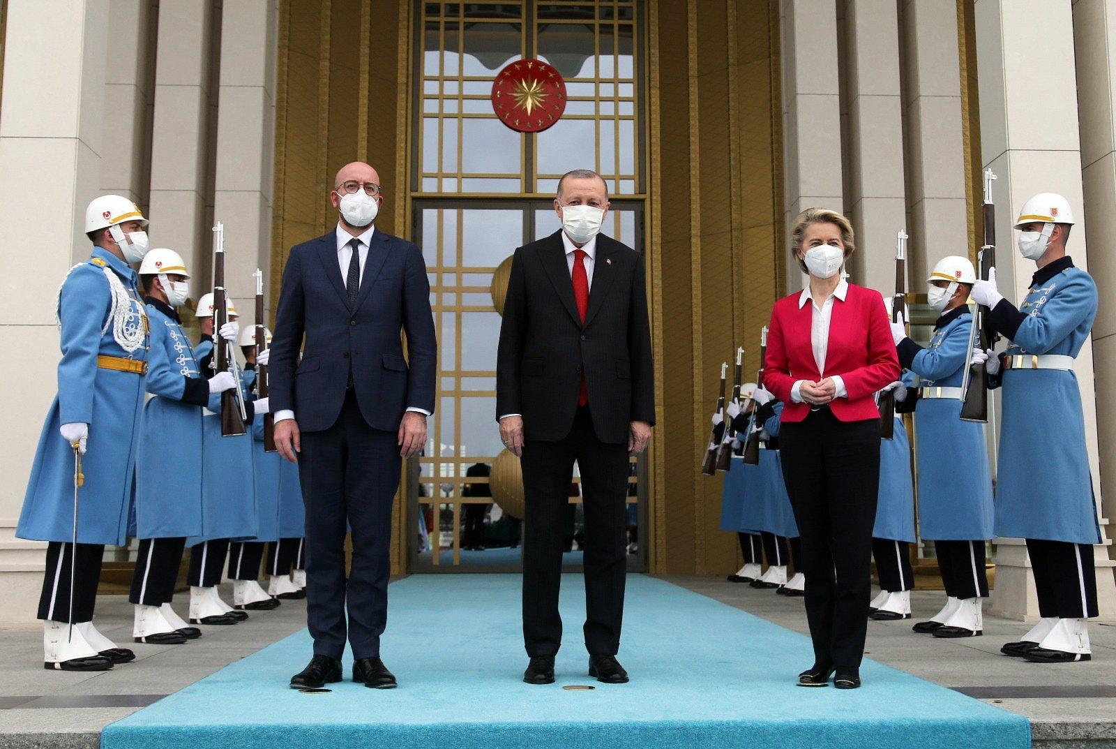European Council head Charles Michel (L), President Recep Tayyip Erdoğan (C) and the head of the European Union Commission, Ursula von der Leyen, as the president receives the EU diplomats at the Presidential Complex in Ankara, Turkey, April 6, 2021.