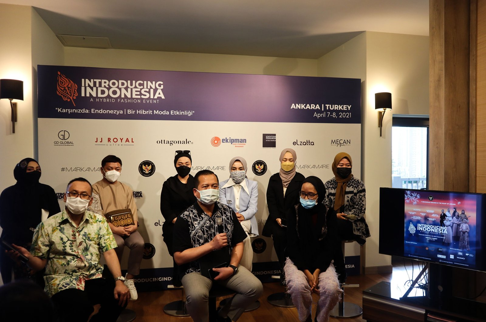 Indonesian designers hold a press conference ahead of their scheduled fashion show later this week, Ankara, Turkey, April 5, 20121. (Daily Sabah Photo)