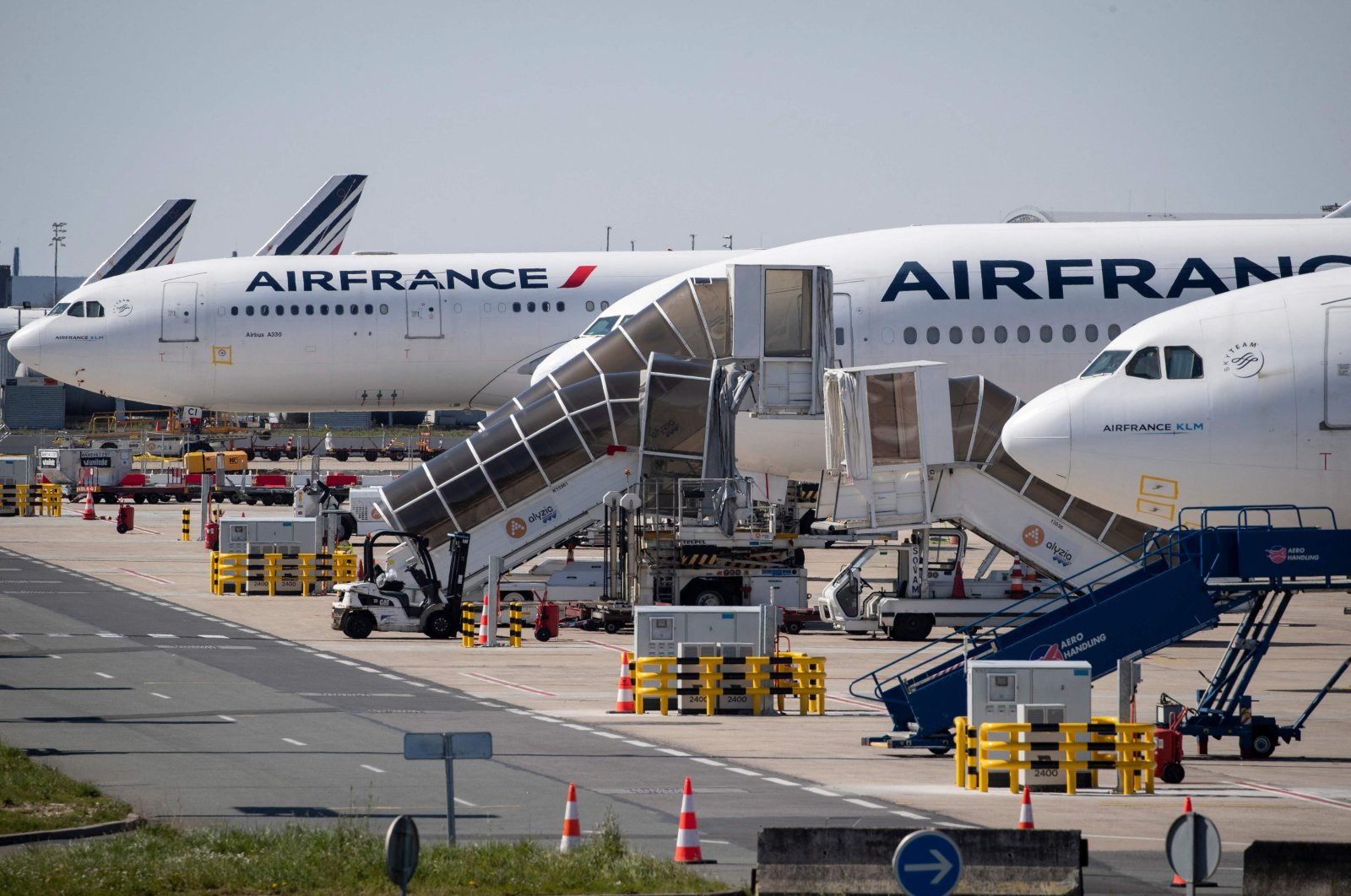 Grounded Air France airplanes at the Roissy-Charles de Gaulle airport in Roissy-en-France, north of Paris, France, March 24, 2020. (AFP Photo)