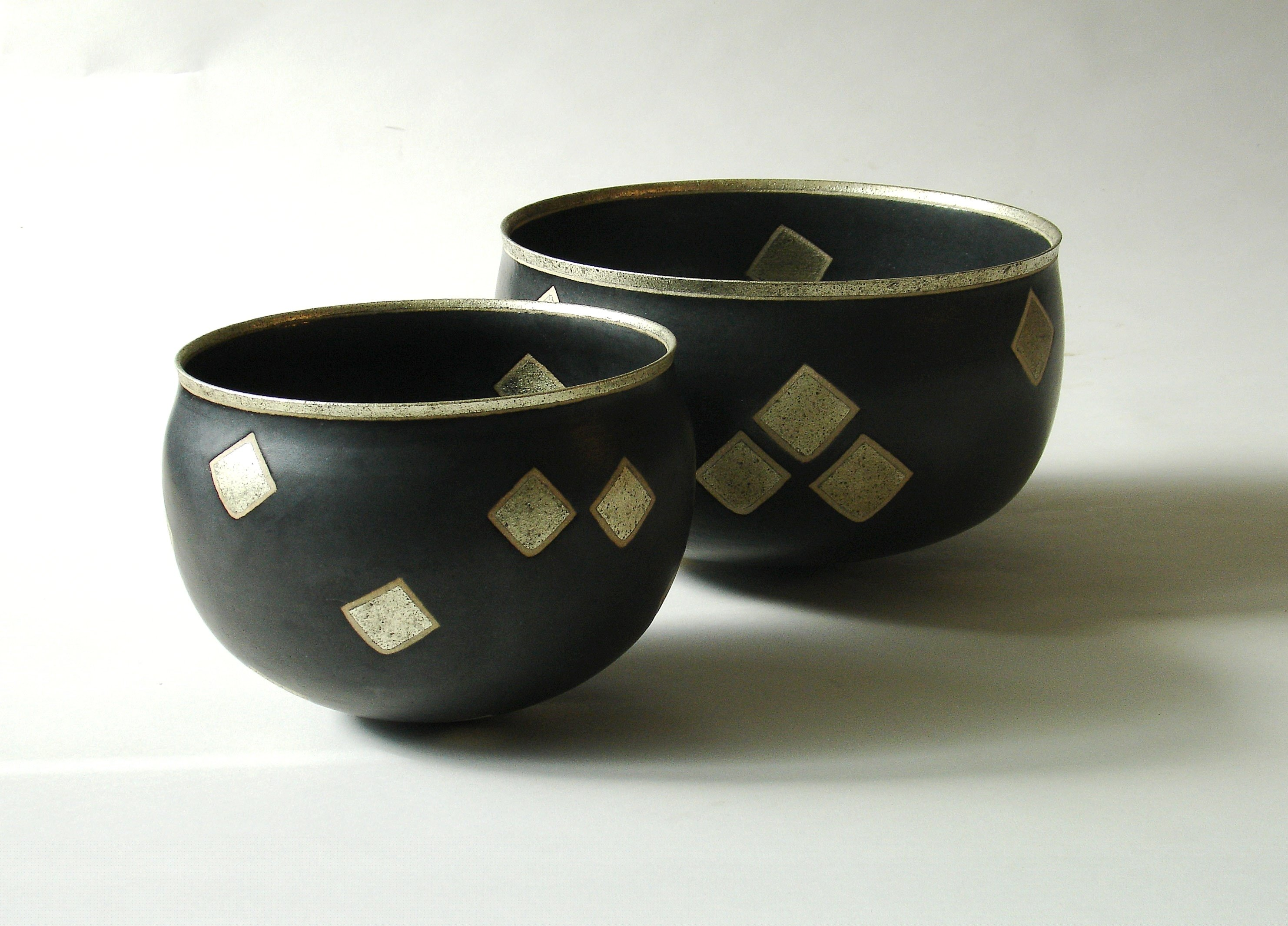 Two ceramic works by Alev Ebuziyya Siesbye from one of her previous exhibitions at Gallery Nev in Istanbul.  (Sabah Photo)