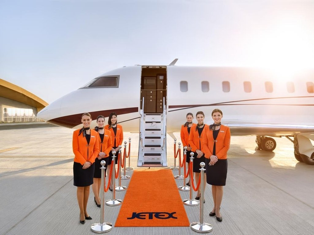 A group of flight attendants pose for a picture, Dubai, April 6, 2021. (DHA Photo)