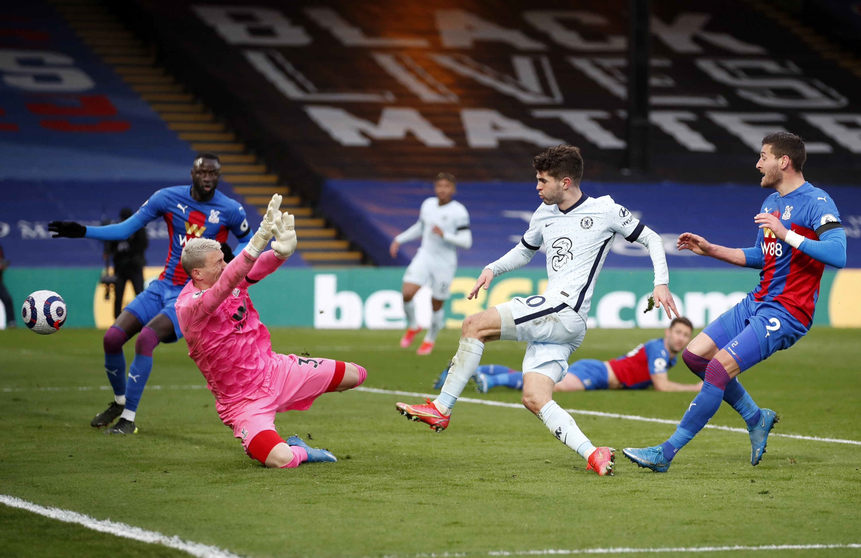 Chelsea's Christian Pulisic (2nd R) scores his side's fourth goal during the English Premier League soccer match between Crystal Palace and Chelsea at Selhurst Park stadium in London, April 10, 2021. (AP/Peter Cziborra/Pool Photo)