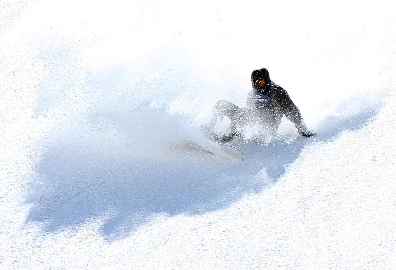 A sportsperson during the snowboard competition at Palandöken Ski Center, Erzurum, eastern Turkey, April 4, 2021. (AA Photo)