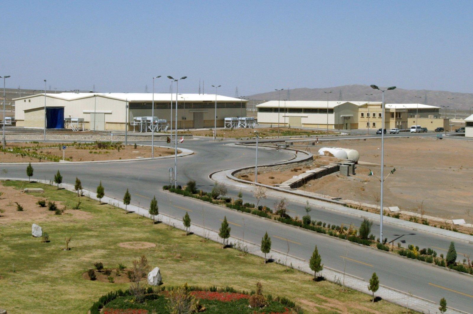 A view of the Natanz uranium enrichment facility 250 kilometers (155 miles) south of the Iranian capital Tehran, Iran, March 30, 2005. (Reuters Photo)