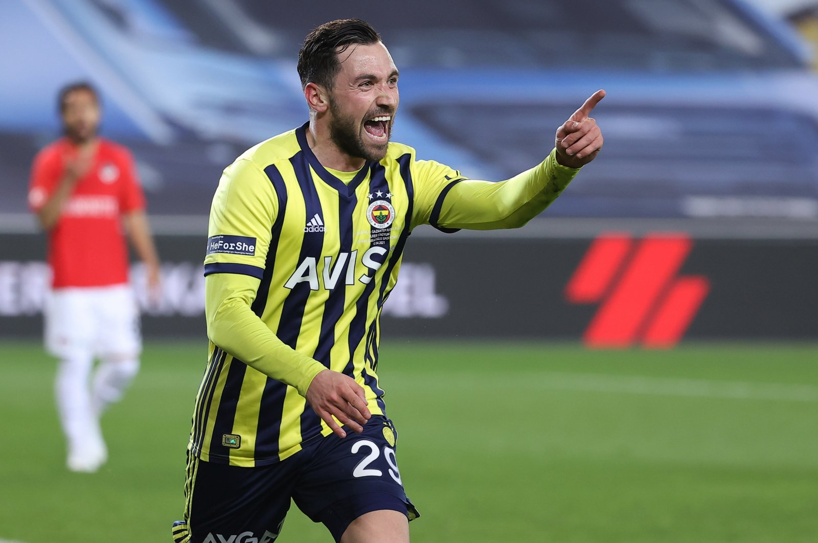 Fenerbahçe's Sinan Gümüş celebrates during his team's win over Gaziantep FK in the 34th week of the Turkish Süper Lig, at Ülker Stadium, Istanbul, Turkey, April 12, 2021. (AA Photo)