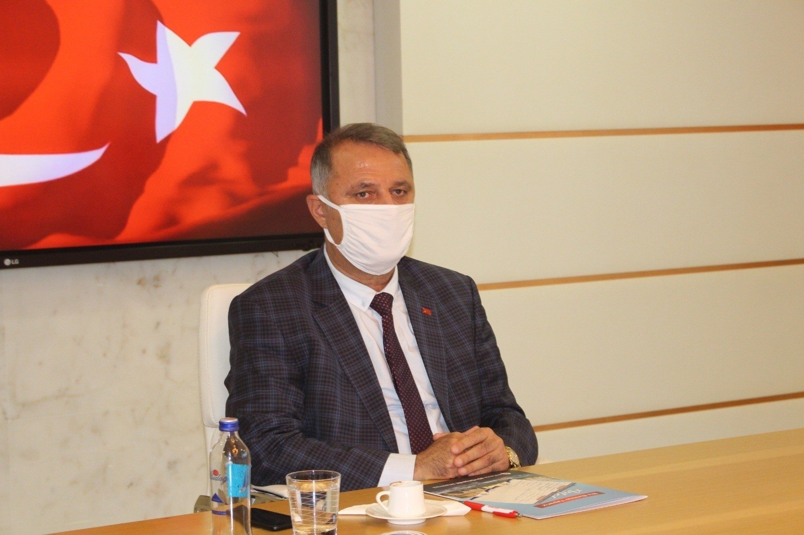 The Republican People's Party's (CHP) former Antalya provincial head, Nusret Bayar, in Antalya, Turkey, April 13, 2021. (AA)
