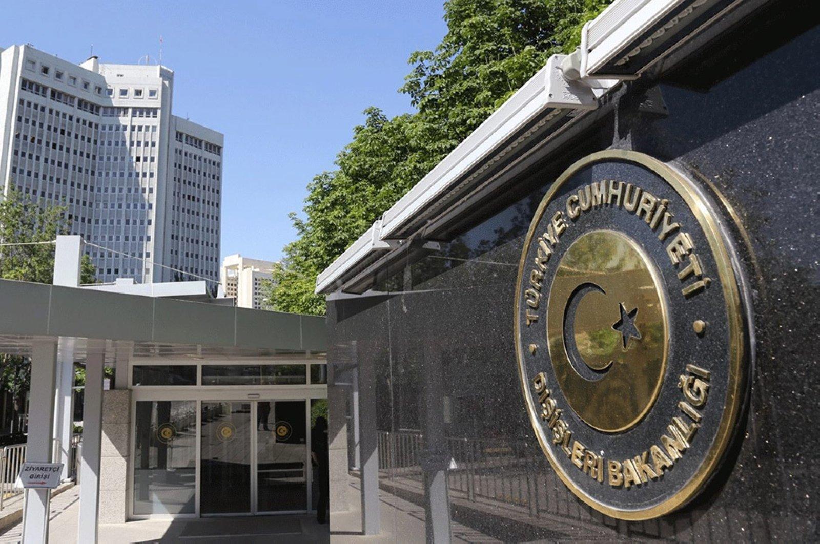 Turkey urges world to hold Assad accountable for Saraqib attack