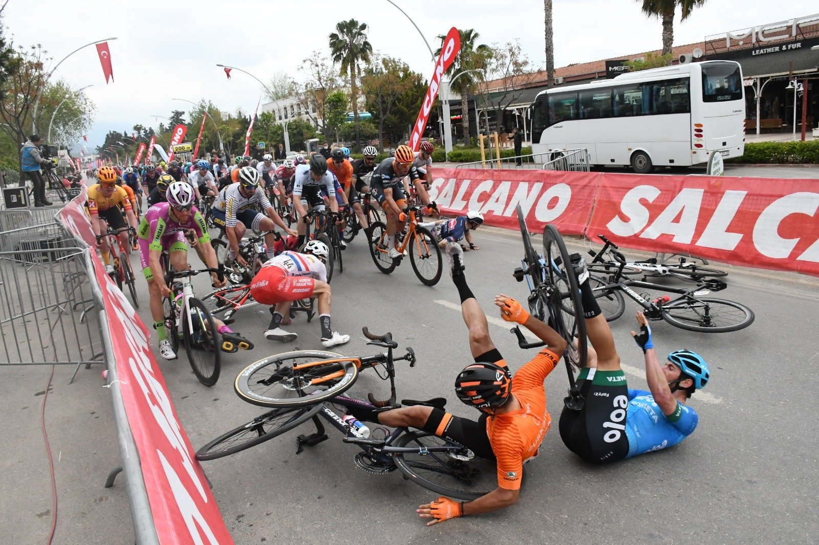 Several riders are involved in a serious collision 200 meters from the finish line of the 4th stage of the 56 Presidential Cycling Tour of Turkey, Kemer, southern Turkey, April 14, 2021. (AA Photo)