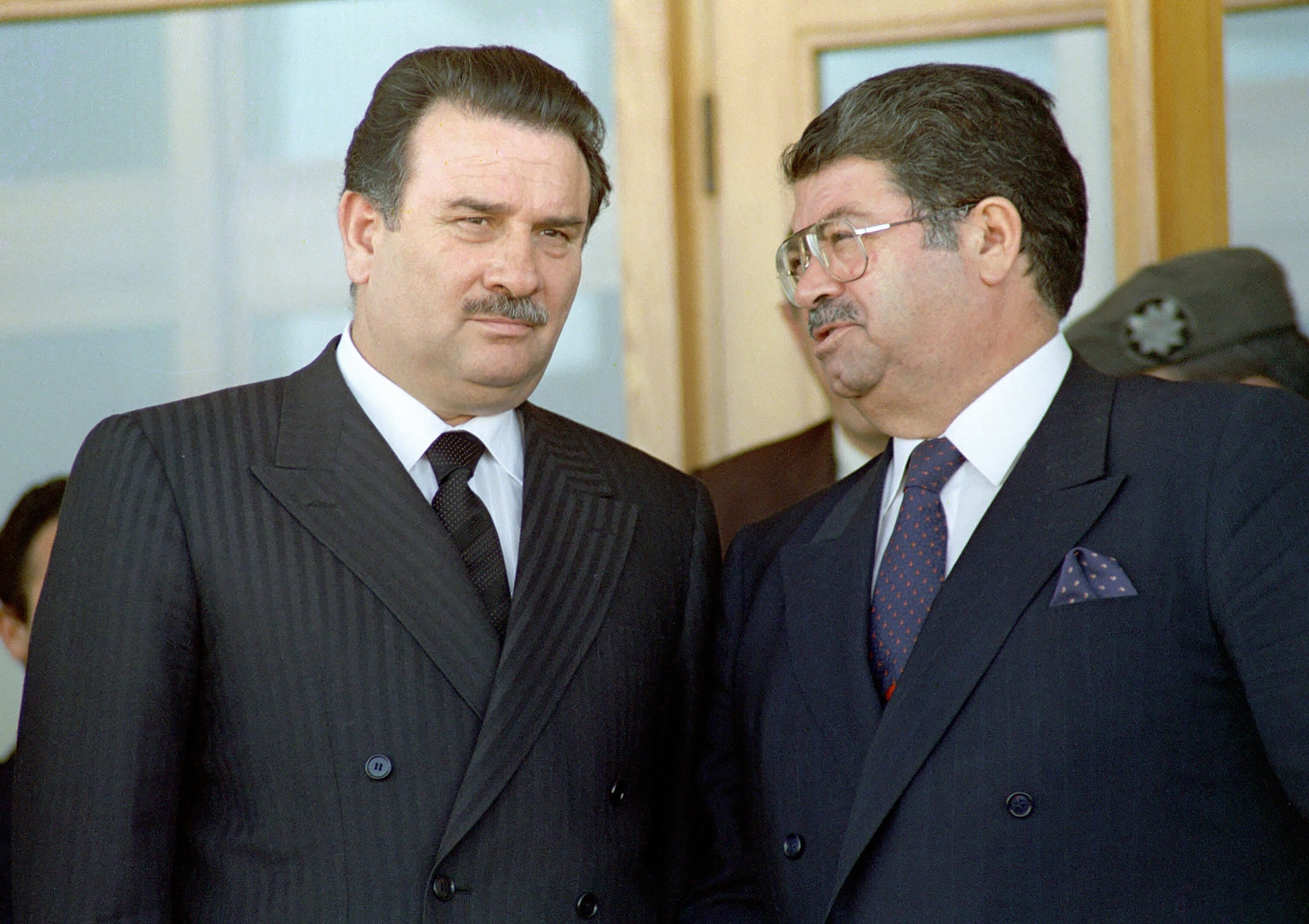 Former President Turgut Özal (R) speaks with then Prime Minister Yıldırım Akbulut during a visit to Izmir, western Turkey, on March 9, 1990, in this file photo provided on April 14, 2021. (AA Photo)