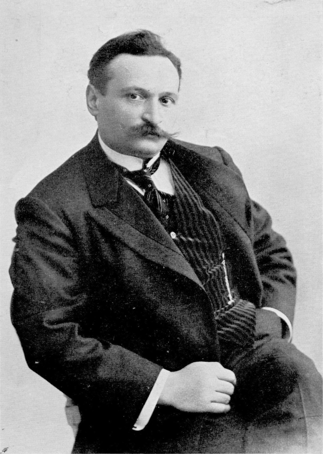 Tevfik Fikret was Nurullah Ataç's favorite poet.