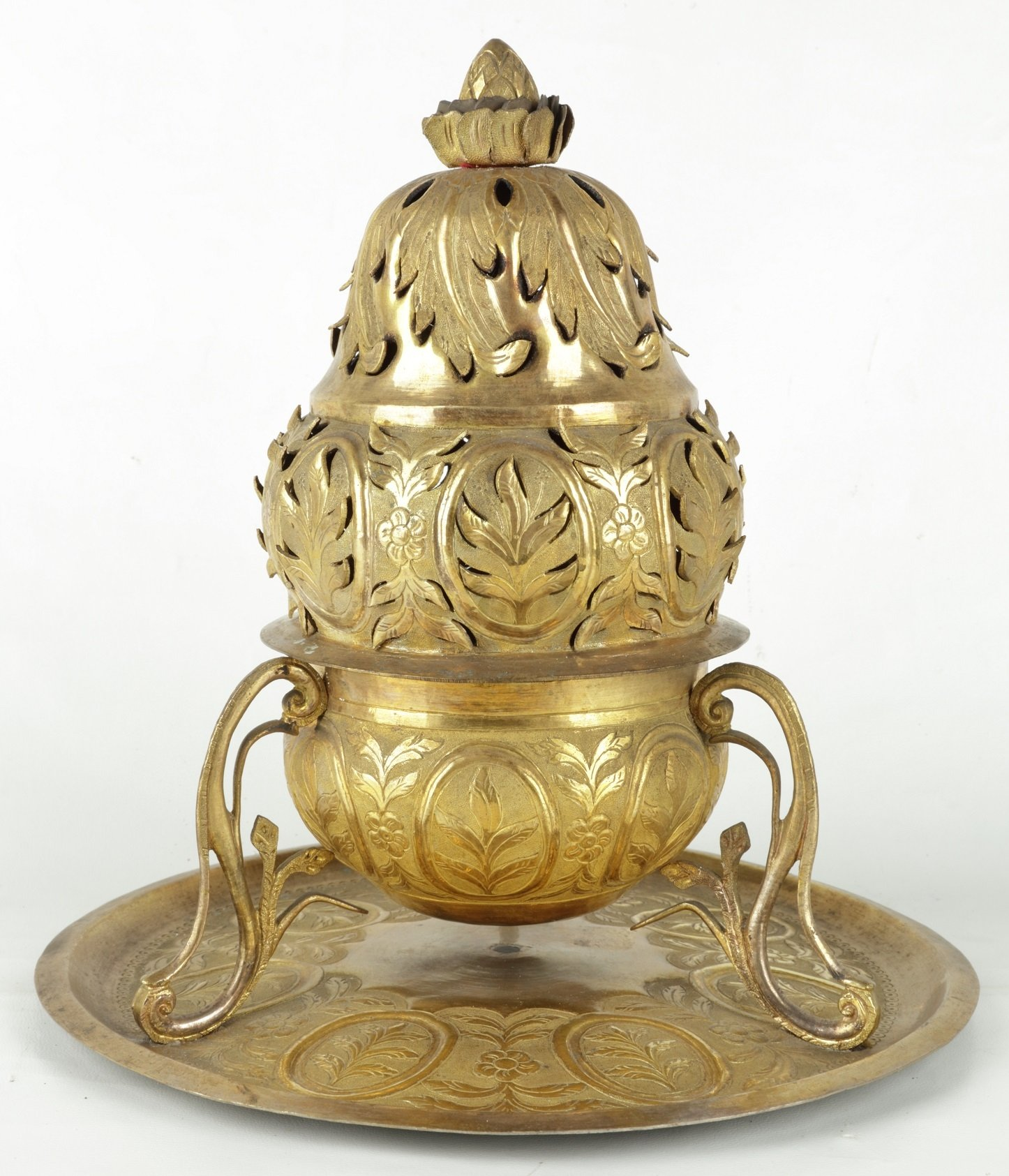 "A decorated thurible from the displays of the ""Faith and Art"" exhibition in the Museum of Turkish and Islamic Arts, Istanbul, Turkey. (Courtesy of Ministry of Culture and Tourism)"