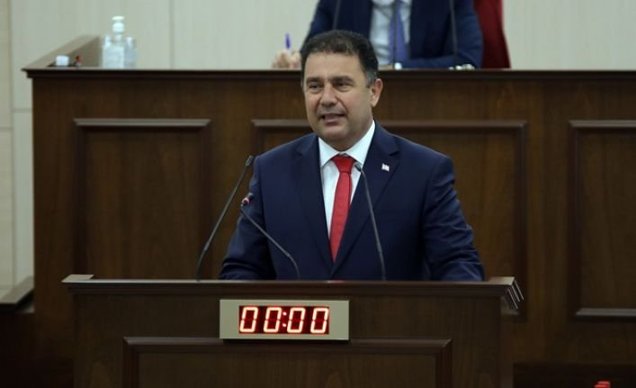 In this undated photo, Turkish Republic of Northern Cyprus (TRNC) Prime Minister Ersan Saner speaks at the TRNC National Assembly in Lefkosia, TRNC. (DHA Photo)