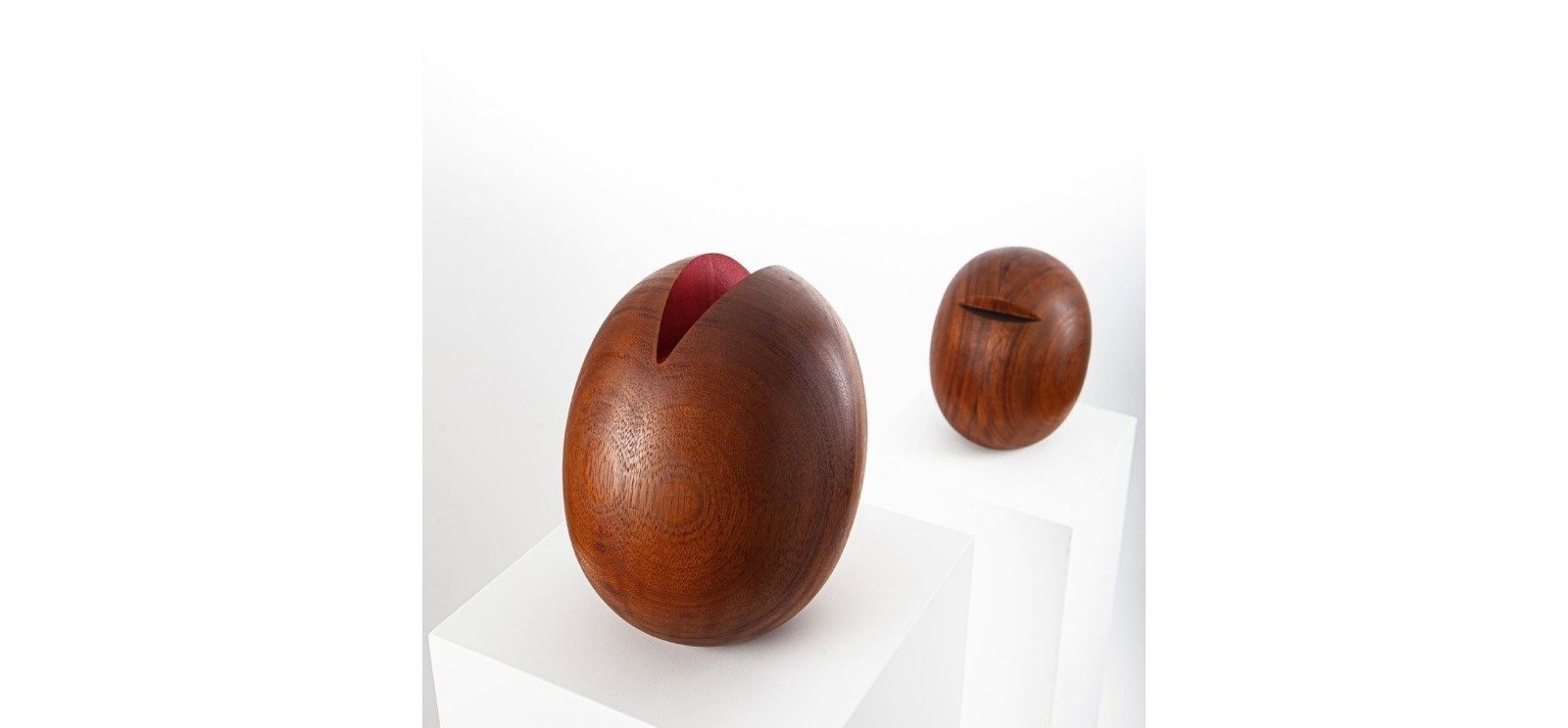 "Ahmet Yiğider applies certain interventions on wooden surfaces in the sculptures of ""Intellect."""
