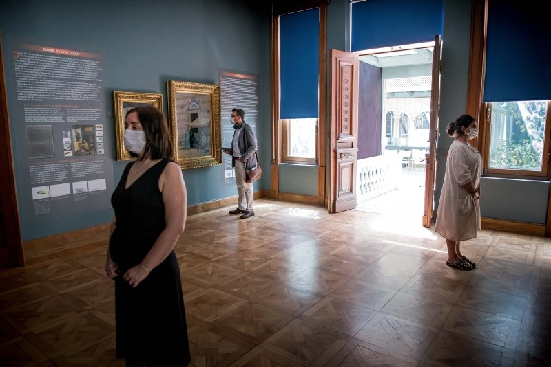 Visitors admire the art at an exhibition at the Sakıp Sabancı Museum in Istanbul, Turkey, June 9, 2020. (Daily Sabah File Photo)