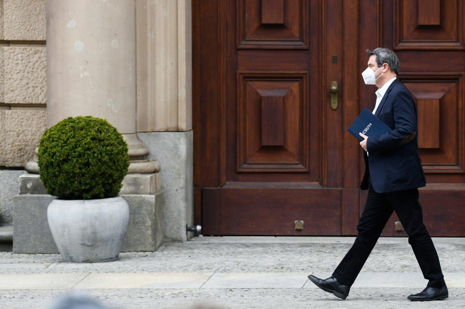 Squabble over Merkel job leaves conservatives in disarray