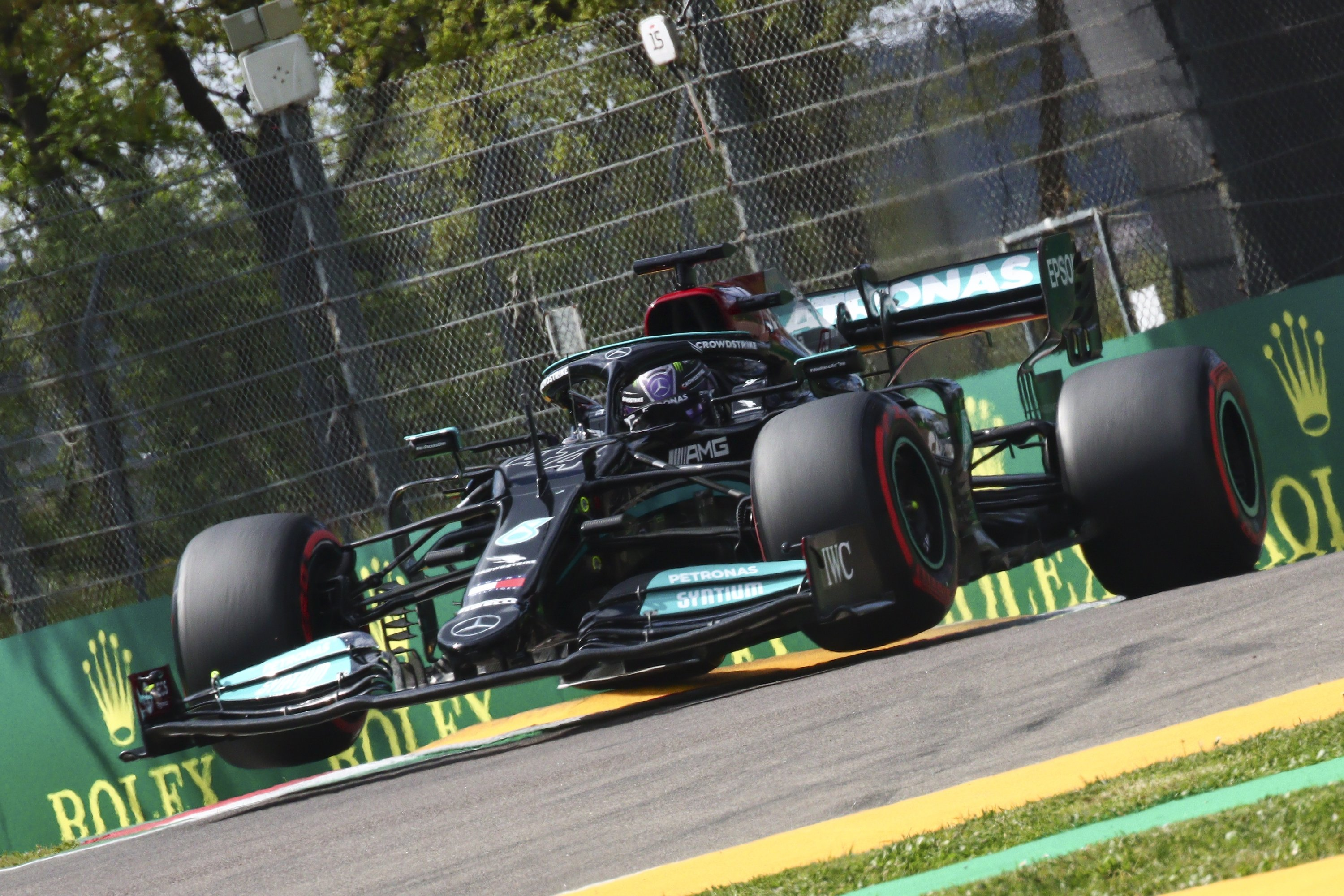 Mercedes-AMG Petronas' British driver Lewis Hamilton in action during the qualifying session of the Formula One Emilia-Romagna Grand Prix at Imola, Italy, April 17, 2021. (EPA Photo)