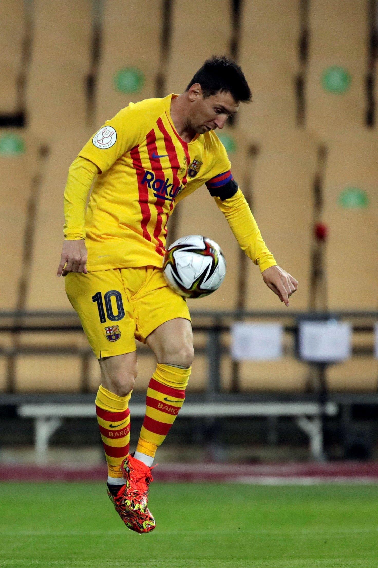 Barcelona's Lionel Messi in action during the 2020/21 Copa del Rey Final, Estadio La Cartuja de Sevilla, Seville, Spain, April 17, 2021. (EPA Photo)