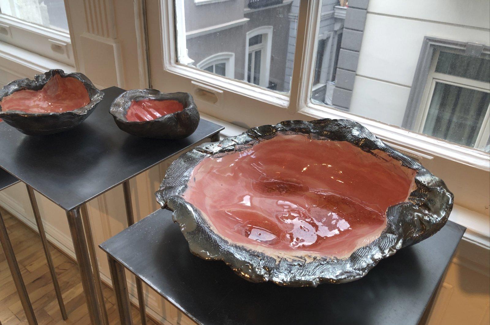 "Emine Boyner Kürşat, ""Oyster,"" 2021, ceramics, variable sizes. (Photo by Matt Hanson)"