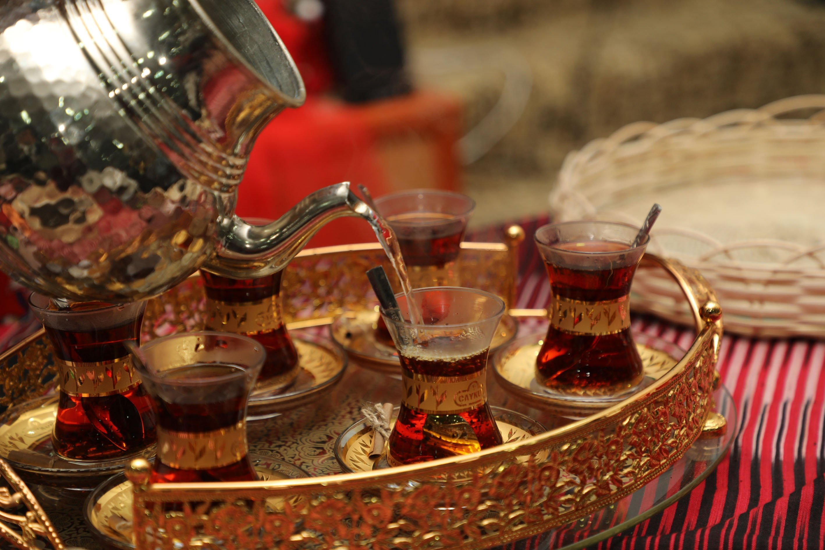 """Turks use tulip-shaped glasses called """"ince belli"""" to serve their tea. (AA Photo)"""