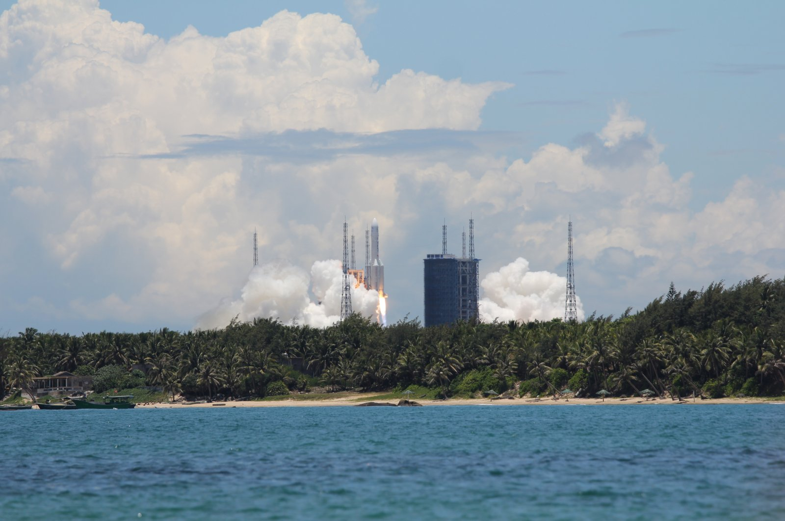 China's Tianwen-1 launches from the Wenchang spaceport for the Mars mission, Hainan, China, July, 23, 2020. (Shutterstock Photo)